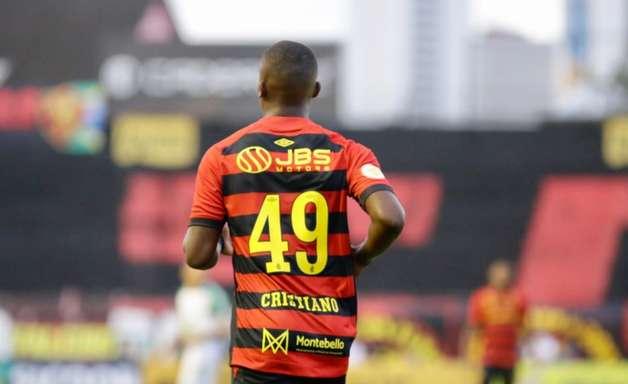 Jovem atacante vibra com primeira chance de titular no Sport: 'Melhor presente de aniversário'