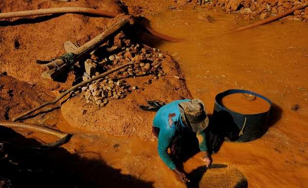 Garimpo cresce e ocupa área maior que mineração industrial
