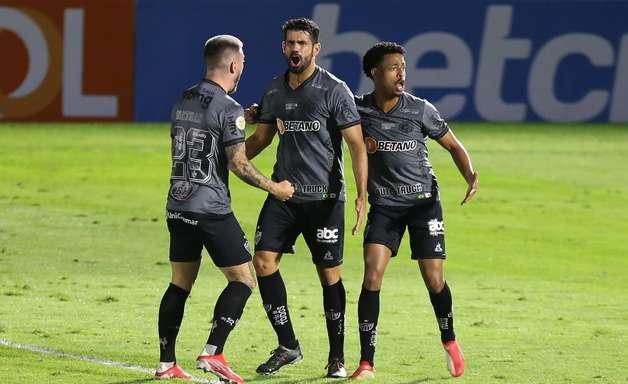 Diego Costa sobre gol na estreia: Bom para ganhar confiança