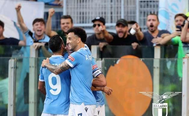 Felipe Anderson vibra com primeiro gol em retorno à Lazio