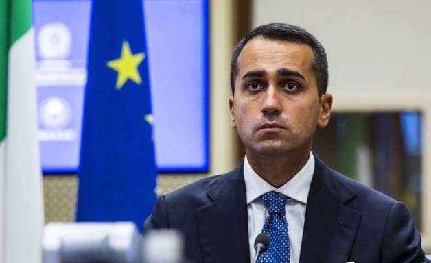 Ministro italiano é ameaçado por defender vacinação