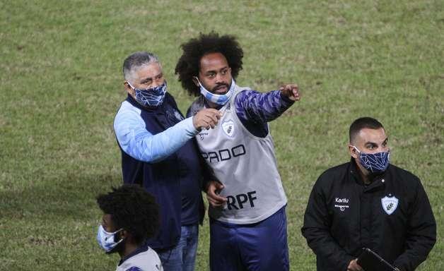 Brusque é multado e perde pontos por racismo contra Celsinho