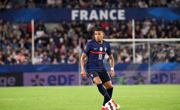 Com lesão na panturrilha, Mbappé vira desfalque da França