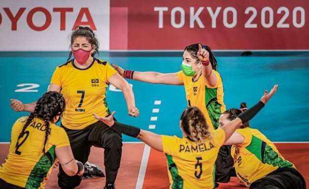 Paralimpíadas: Seleção feminina de vôlei sentado é medalha de bronze; equipe masculina é derrotada