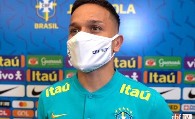 Artur admite que 'não caiu a ficha' da convocação para a Seleção, mas frisa: 'Espero vir mais vezes aqui'