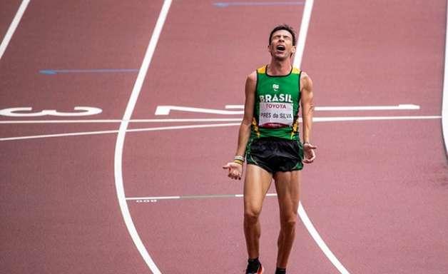 Alex Douglas é prata na maratona e Brasil iguala recorde de medalhas em Paralimpíadas; veja o resumo