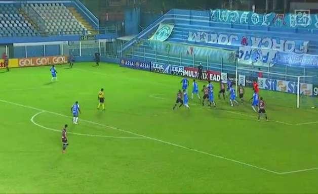 SANTA CRUZ: Impedido? Gol anulado gera polêmica na derrota para o Paysandu
