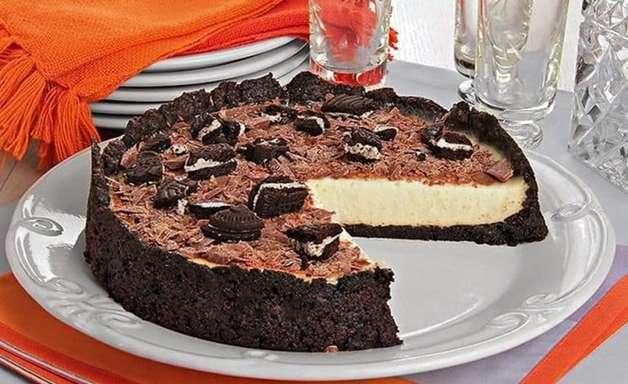 Torta de biscoito com creme de baunilha