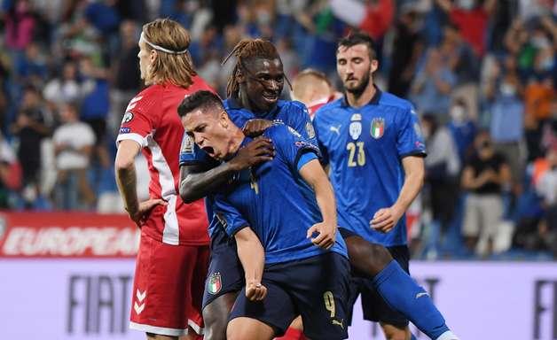 Itália goleia Lituânia por 5 a 0 nas Eliminatórias da Copa