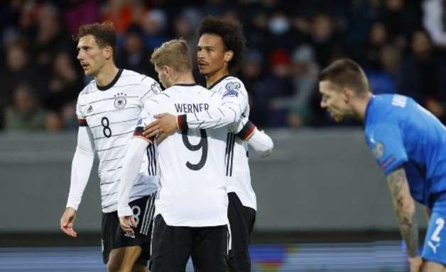 Avião com a seleção Alemã faz pouso forçado na Escócia