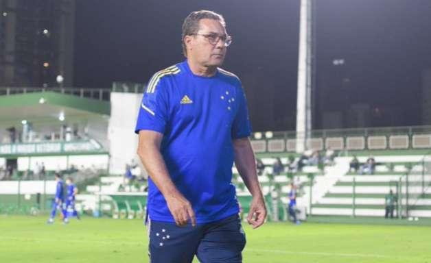 Luxemburgo joga a toalha e vê Cruzeiro sem chances de subir