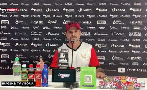"""VITÓRIA: Wagner Lopes avalia positivamente semana livre para treinos: """"Espero que consigamos repetir isso na partida contra o Remo"""""""