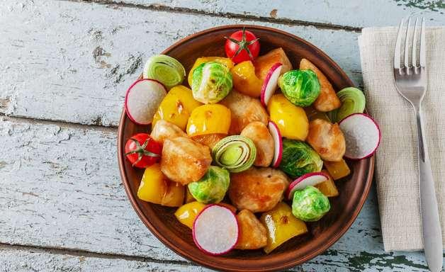Picadinho de frango com batatas: receita com poucas calorias