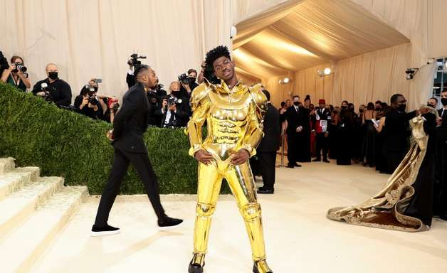 Lil Naz X foi ao Baile do Met como Cavaleiro do Zodíaco? Entenda