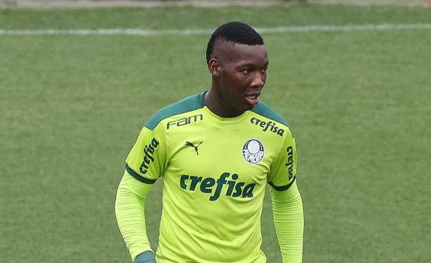 Trio do Palmeiras escapa de suspensão em julgamento no STJD