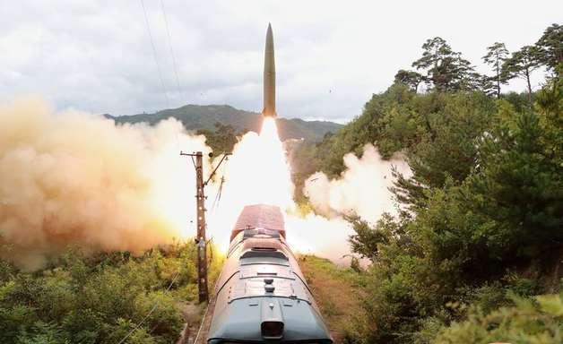 """Coreia do Norte diz testar sistema ferroviário de mísseis contra """"forças ameaçadoras"""""""