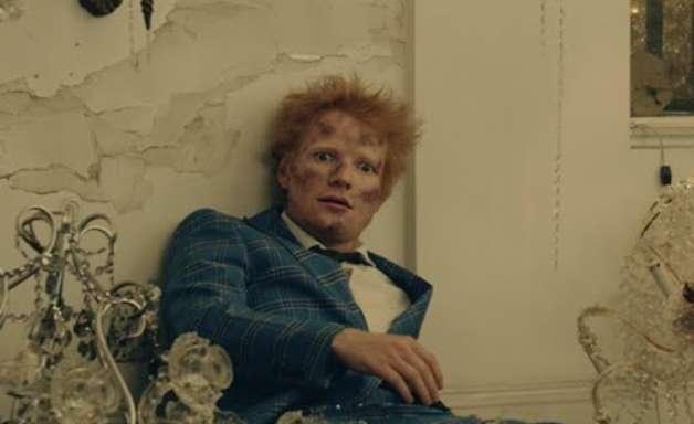 Ed Sheeran é destronado por ele mesmo na parada britânica