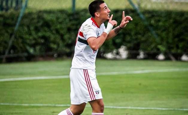 Recém-contratado, Stevanato celebra primeiro gol pelo São Paulo