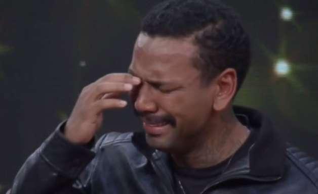 A Fazenda 13: Nego do Borel chora ao ser apontado como 1º eliminado
