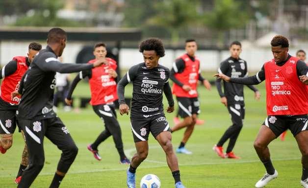 Corinthians inicia trabalhos táticos visando clássico contra o Palmeiras