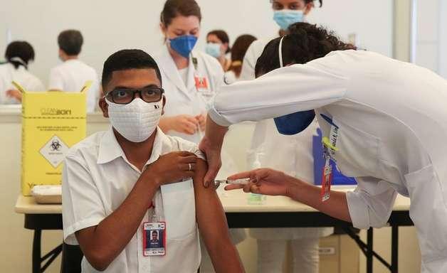 Covid-19: profissionais de saúde receberão 3ª dose da vacina