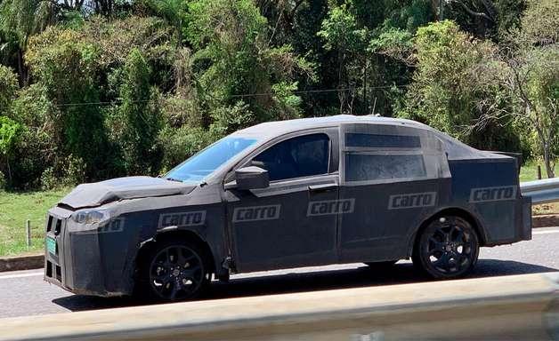 Flagra: Fiat Fastback roda camuflado para estrear em 2022