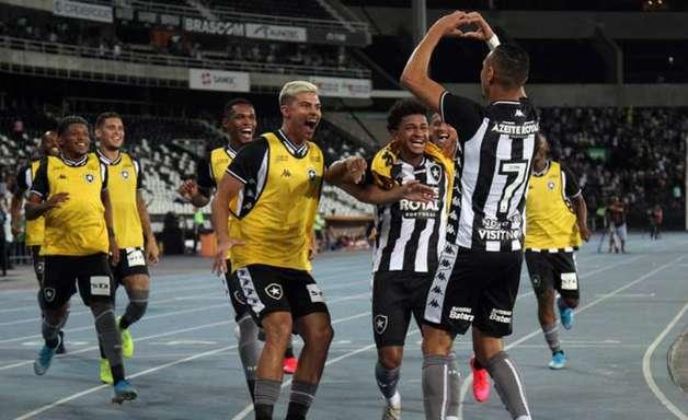 Luiz Fernando, Danilo Barcelos, Luís Henrique... Relembre o time do Botafogo no último jogo com público