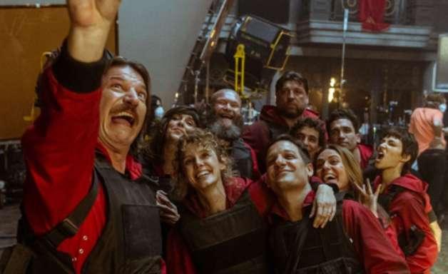 """Parte final de """"La Casa de Papel"""" ganha prévia e data de estreia"""