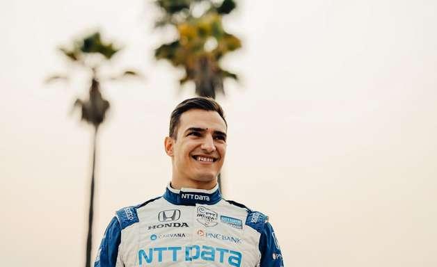 """Palou celebra primeiro título na Indy em Long Beach: """"O sonho está completo"""""""