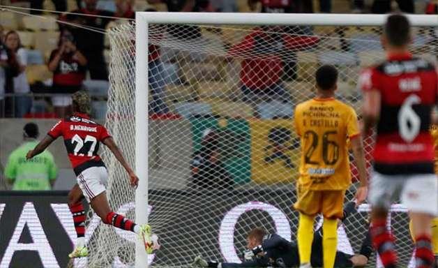 Bruno Henrique, do Flamengo, é eleito o melhor jogador das partidas de ida da semifinal da Libertadores