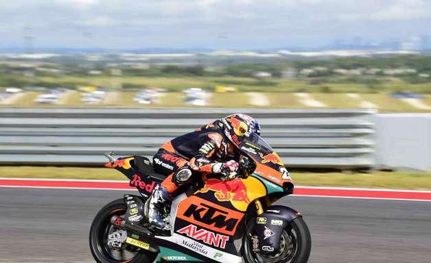 Raúl Fernández vence GP das Américas e incendeia Moto2 com abandono de Gardner