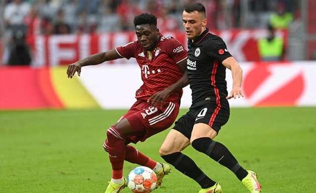 Bayern perde em casa, mas segue na ponta da Bundesliga