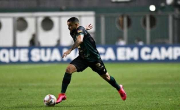 Felipe Azevedo pede a 'intensidade' do jogo contra o Flamengo, para encarar o Palmeiras no Independência