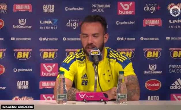 """CRUZEIRO: Giovanni nega turbulência dentro do elenco do time e garante: """"Sempre foi muito bom, independente de muitas notícias que saíram"""""""