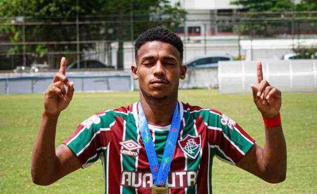 """Campeão Carioca pelo Fluminense sub-20, Cauã relembra título: """"Marcado na nossa história"""""""