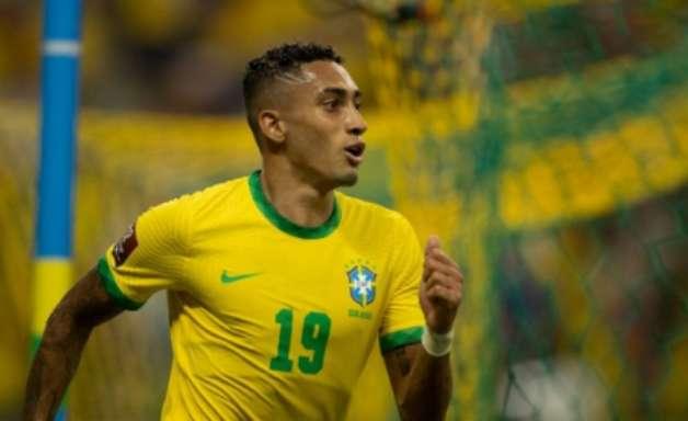 Torcedores do Leeds e jornal da cidade repercutem atuação de Raphinha pela Seleção Brasileira