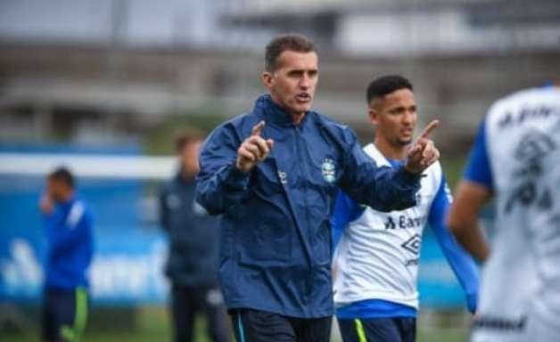 Apresentado, Mancini exalta o Grêmio e elogia elenco do clube: 'Tem condições de começar uma reação'
