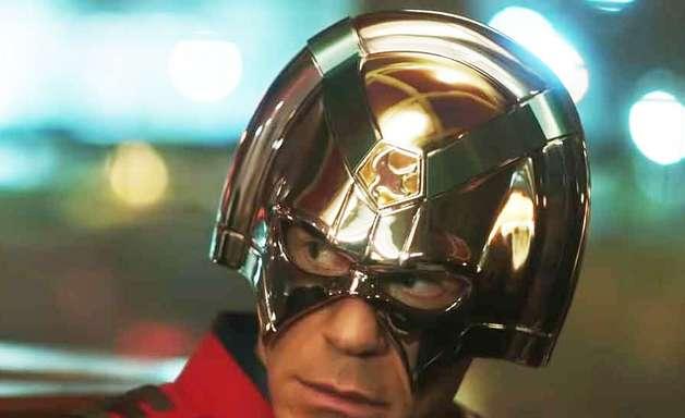 Pacificador: Vilão acha que é super-herói no trailer da série
