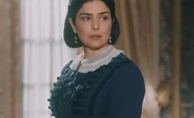 Nos Tempos do Imperador: Teresa tem ataque de fúria e acaba com Luísa