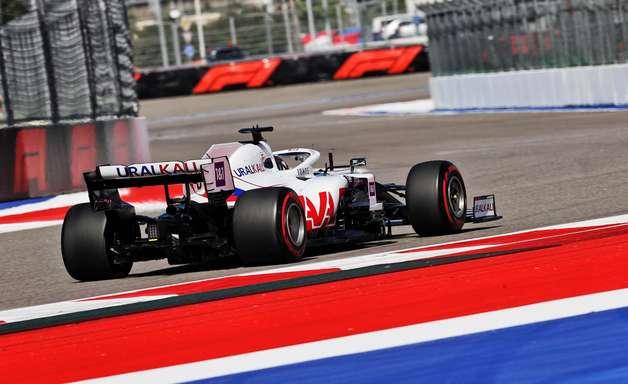 Pilotos juniores da Ferrari são primeira opção para a Haas F1 no TL1 em 2022