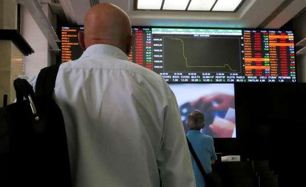 Decepção com PIB chinês prevalece sobre influência positiva de NY