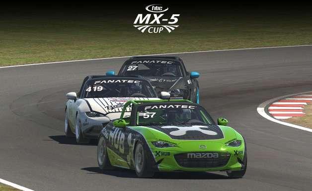 MX5 Cup: Jamison Sampaio (Corinthians) e Guilherme Elizeu (HUB) vencem corridas em Oulton Park