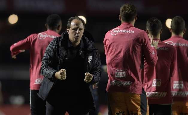 """""""São os motores do time"""", diz Rogério Ceni sobre jovens"""