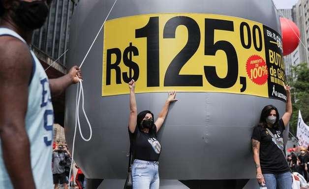 Senado aprova subsídio para famílias pobres comprarem botijão de gás