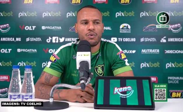 AMÉRICA-MG: Patric destaca proximidade da equipe com o Santos na tabela e encara confronto como 'uma final'