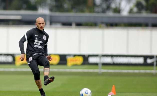 Fábio Santos admite peso de 'decisão' com Inter, mas diz que Corinthians encara todos os jogos como finais