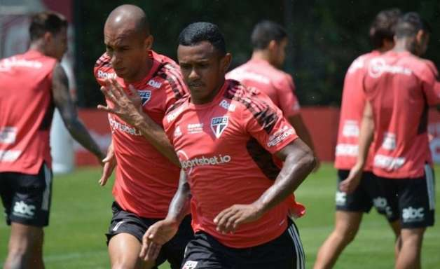São Paulo encerra a preparação para enfrentar o Red Bull Bragantino; veja a provável escalação