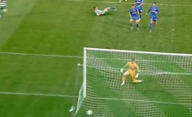 Karelis marca um belo gol e coloca Panathinaikos na frente