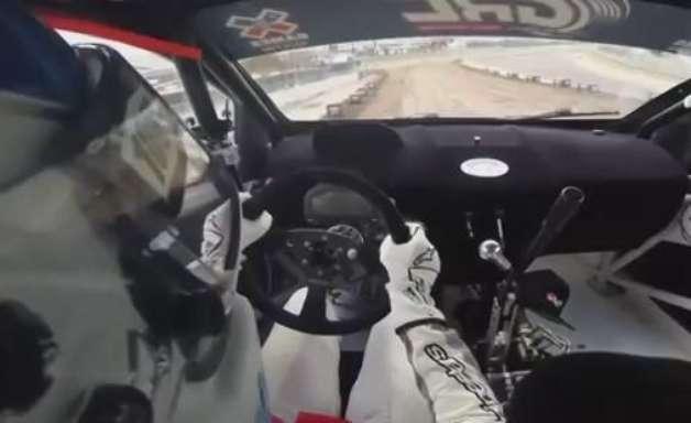 Dê uma volta dentro do carro de Nelsinho Piquet em rali