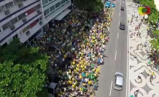 Drone captura imagens panorâmicas dos protestos no RJ